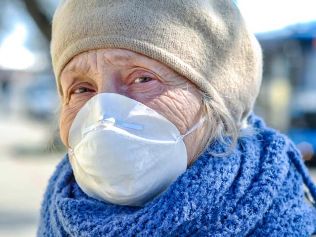 Коронавирус с нами навсегда, надо привыкать носить маски