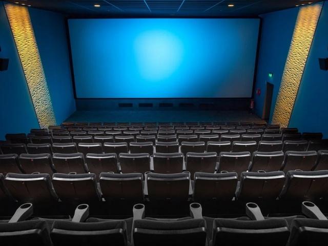 В кинозалах Свердловской области, модернизированных по нацпроекту «Культура», стартовал областной киномарафон «Победный марш»
