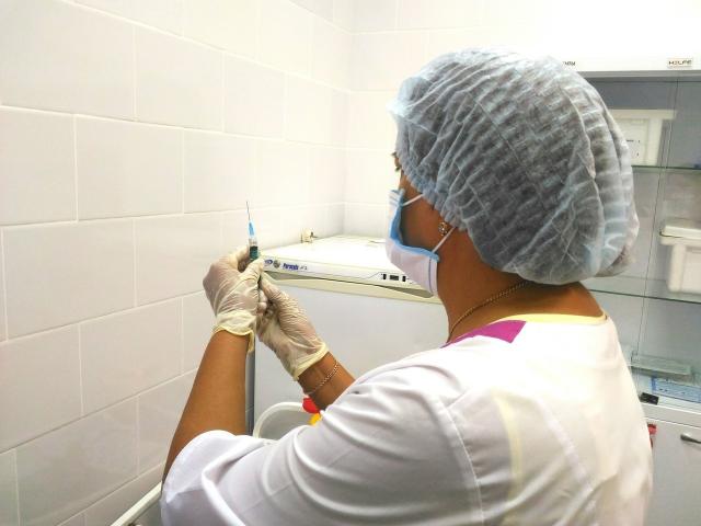 Кому положен медотвод от прививки против коронавируса и как его получить